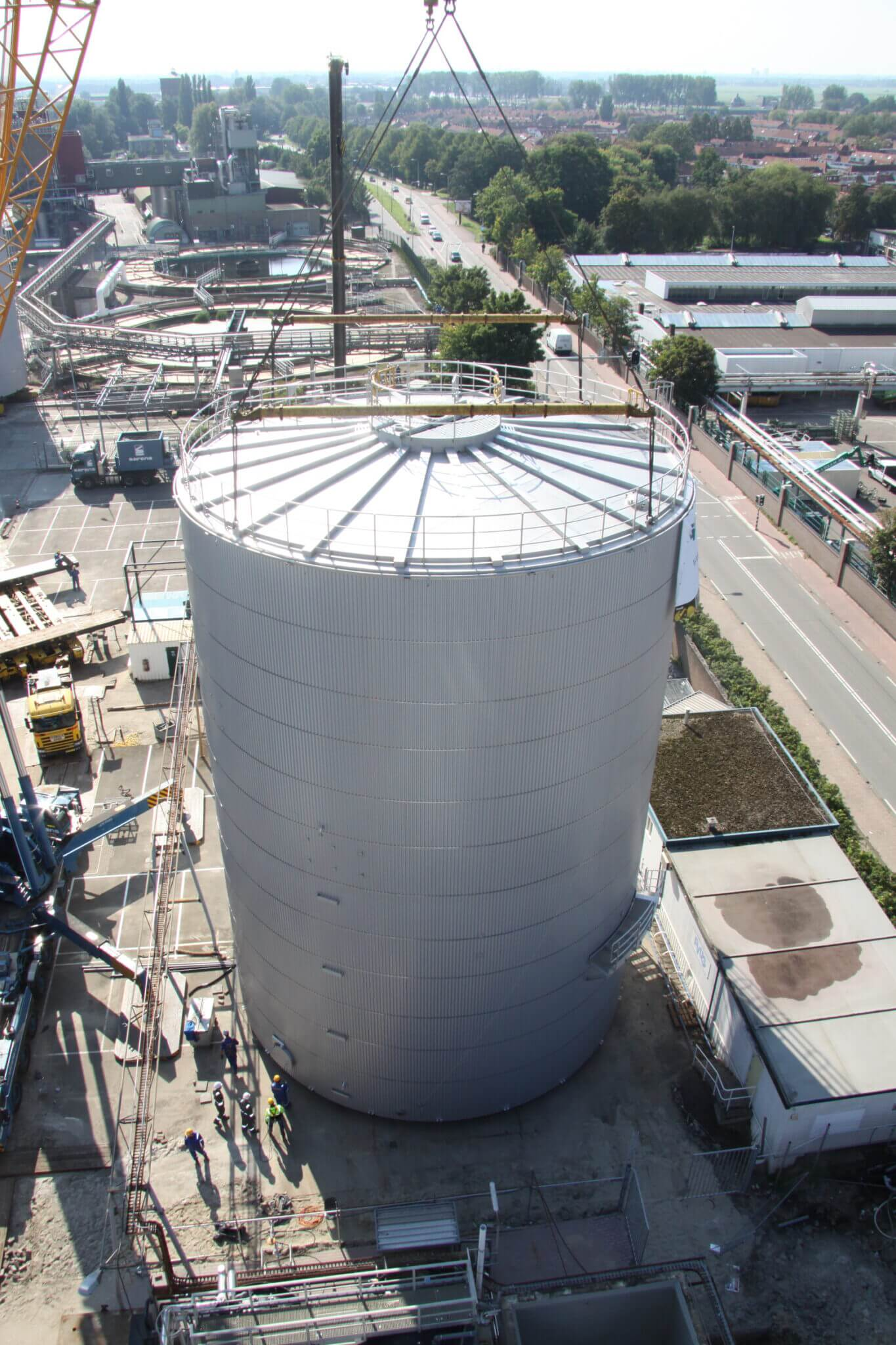 Bouwmethode: multiple tanks on site